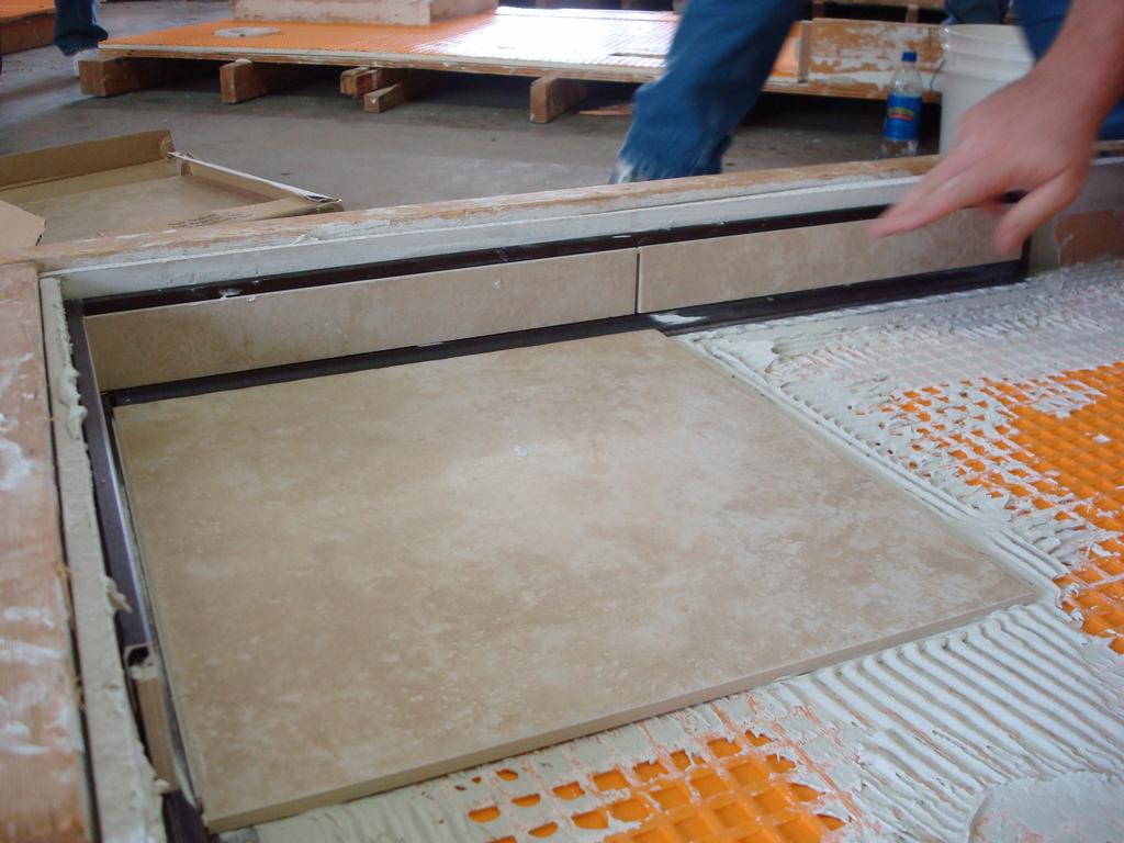 Ceramic porcelain tile installation m r flooring company for Ceramic floor installation
